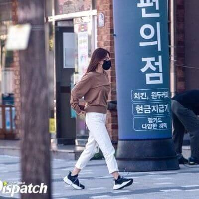 Lee Seung gi & Lee Da In Confirmed Their Relationship+ Dispatch Reveals Their Photos