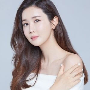 Lee Dong Wook Girlfriend and Ideal Type 2021 Updates